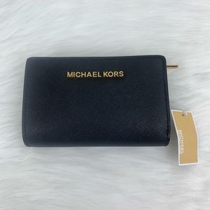 Michael Kors Bifold Zip Coin Wallet